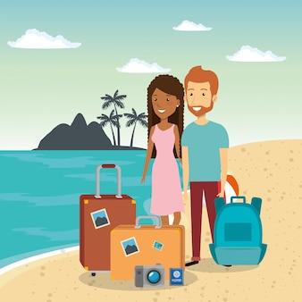 Para w postaci na plaży