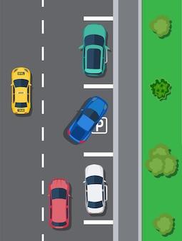 Parking miejski z różnymi samochodami. brak miejsc parkingowych. widok z góry strefy parkowania z pojazdami. zły lub niewłaściwy parking. przepisy ruchu drogowego. zasady ruchu drogowego. ilustracja wektorowa w stylu płaski