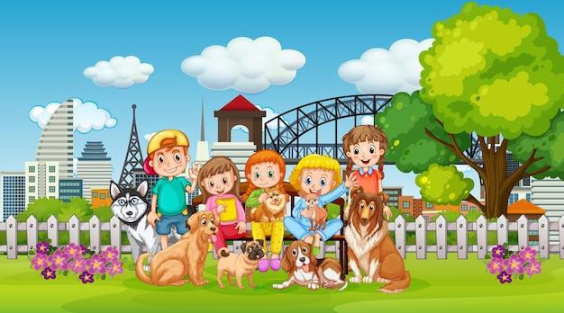 Parkowa scena na świeżym powietrzu z wieloma dziećmi i ich zwierzakiem