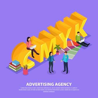 Personel agencji reklamowej podczas pracy w pobliżu żółtego napisu cmyk izometrycznej kompozycji na fioletowo