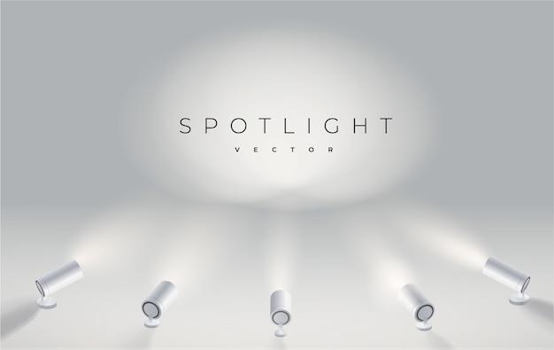 Pięć reflektorów