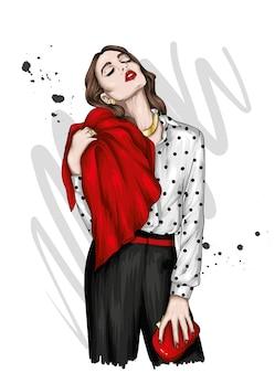 Piękna dziewczyna w stylowych ubraniach, modzie i dodatkach