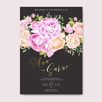 Piękna karta ślubu z kwiatami i liśćmi