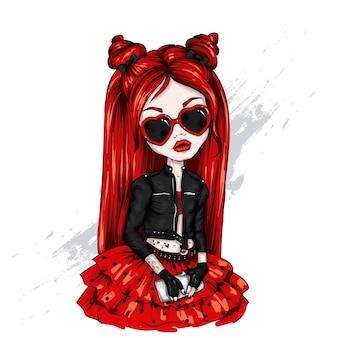 Piękna mała dziewczynka w stylowe ubrania
