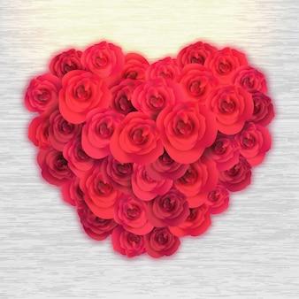 Piękne czerwone róże ustawione w kształcie serca stylu na drewniane tła. koniec dnia ojca