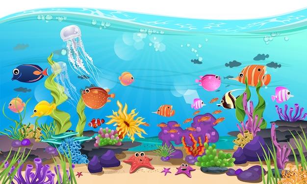 Piękne morze z koralami, rafą i rybami