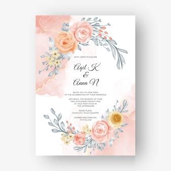 Piękne różane tło ramki na zaproszenie na ślub w delikatnym pastelowym kolorze