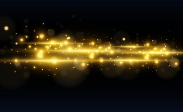 Piękny jasny odblask poziomy. złoty blask na przezroczystym tle. jasne paski na ciemnym tle. żółte promienie.