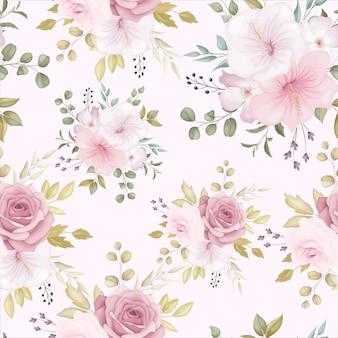 Piękny kwiatowy wzór z zakurzonym różowym kwiatem