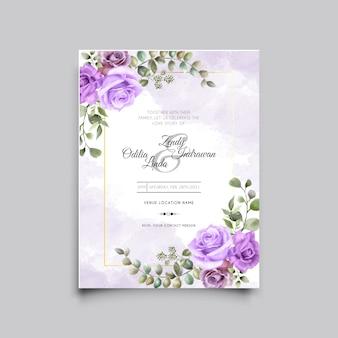 Piękny ręcznie rysowane szablon karty ślubu fioletowa róża