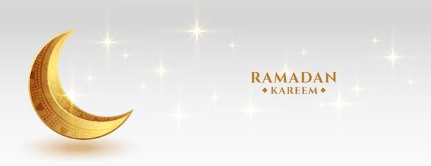 Piękny sztandar festiwalu ramadan kareem ze złotym obecnym księżycem