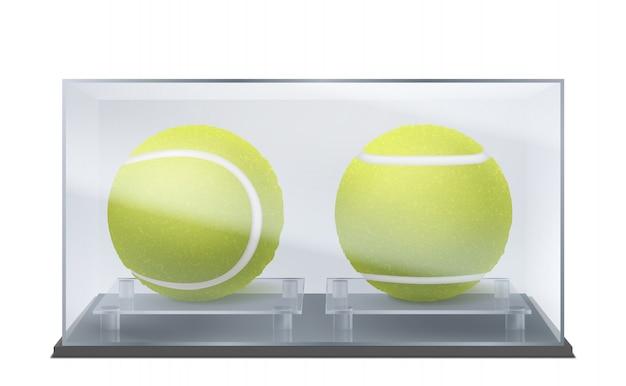Piłki tenisowe w szklanej gablocie, trofeum sportowe