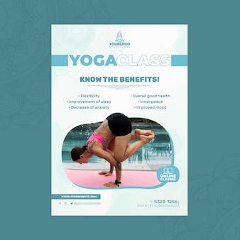 Pionowy plakat szablon do ćwiczeń jogi z kobietą