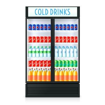 Pionowy szablon lodówki z zamkniętymi drzwiami z przezroczystego szkła cola i innymi napojami w środku