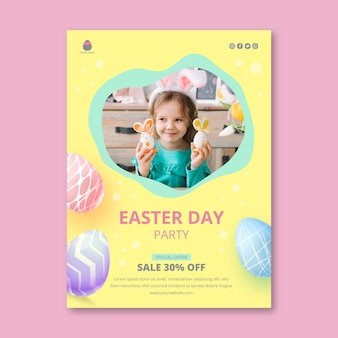 Pionowy szablon plakatu na wielkanoc z jajkami i małą dziewczynką