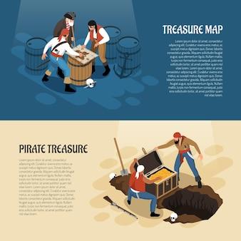 Piraci w pobliżu mapy skarbów i skrzyni ze złotymi transparentami izometrycznymi na niebieskim beżu