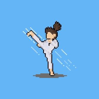 Pixel art cartoon taekwondo dziewczyna kopiąca z efektem wiatru