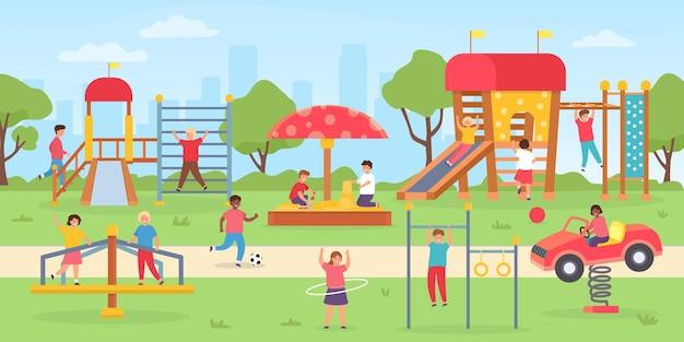 Plac zabaw dla dzieci w parku. grupa dzieci bawiących się na świeżym powietrzu, na huśtawkach, zjeżdżalni i domku do gier. płaski park miejski z sceną wektorową chłopców i dziewcząt. park zabaw w przedszkolu do zabawy w ilustrację