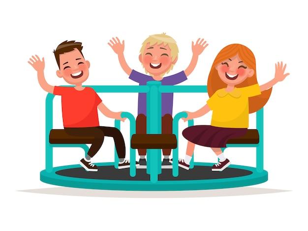 Plac zabaw. śmieszne dzieci wirują na karuzeli. ilustracja