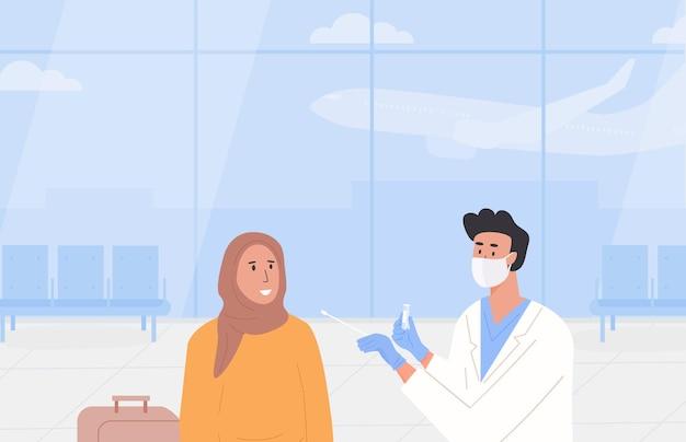 Plakat dotyczący testów pcr na lotnisku. podróżowanie z certyfikatem zdolności do lotu. test covid przed wyjazdem lub w dniu przyjazdu. mężczyzna lekarz noszący maskę na twarz pobiera próbkę wymazu z nosa od muzułmańskiego podróżnika. wektor.