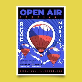 Plakat festiwalu muzyki na świeżym powietrzu balony na gorące powietrze