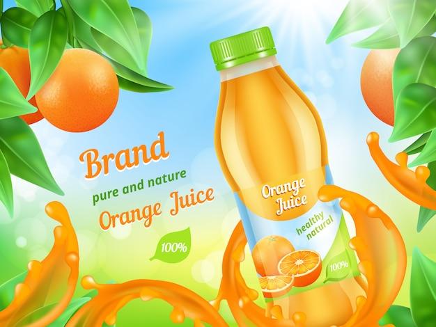 Plakat reklamujący sok. realistyczna ilustracyjna sok owocowa plastikowa butelka w pluśnięciach