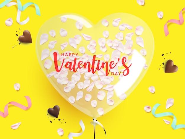 Plakat walentynkowy. balon w kształcie serca z płatkiem róży w środku, czekolada, wstążka na żółtym tle.