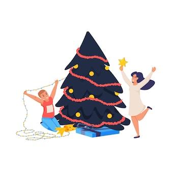 Płaska ikona obchodów bożego narodzenia z szczęśliwych ludzi w pobliżu dekorowanej ilustracji drzewa