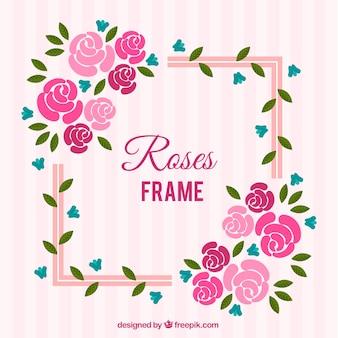 Płaska rama z różowymi i niebieskimi kwiatami