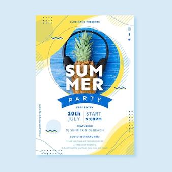 Płaski letni szablon plakatu ze zdjęciem