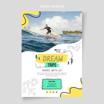 Płaski pionowy szablon plakatu podróży