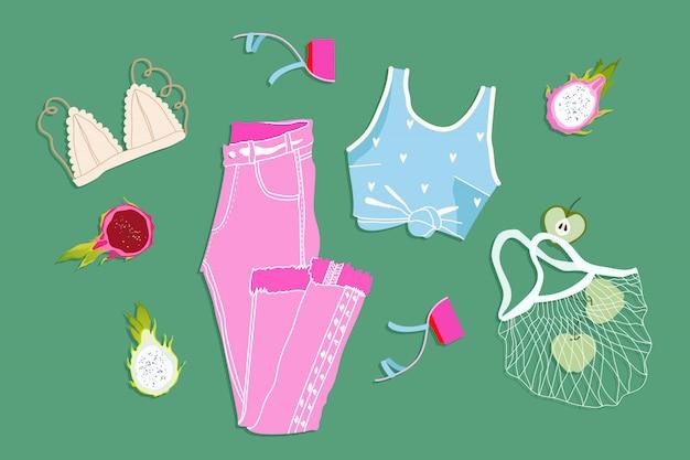 Płaski strój na lato. modny letni wygląd. ręcznie rysowane ilustracji. wszystkie elementy są izolowane na zielonym tle. różowe dżinsy, niebieski top, biustonosz i jabłka w siatce. nowoczesna odzież.