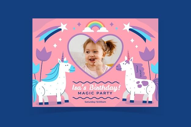 Płaski szablon zaproszenia urodzinowego jednorożca ze zdjęciem