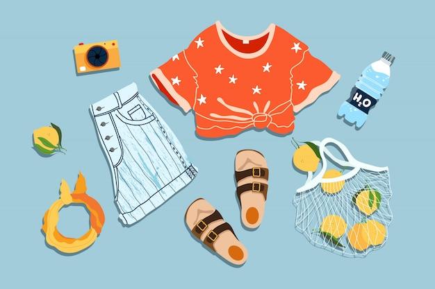 Płaski wygląd na lato. modny letni strój. ręcznie rysowane ilustracji. wszystkie elementy są odizolowane na niebieskim tle. jeansowe szorty, nastoletnia bluzka, sandały i cytryny w siatce.