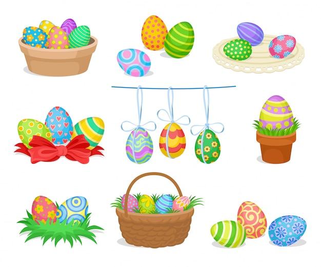 Płaski zestaw dekoracyjnych kompozycji wielkanocnych z malowanymi jajkami na pocztówki lub plakaty reklamowe. ferie wiosenne
