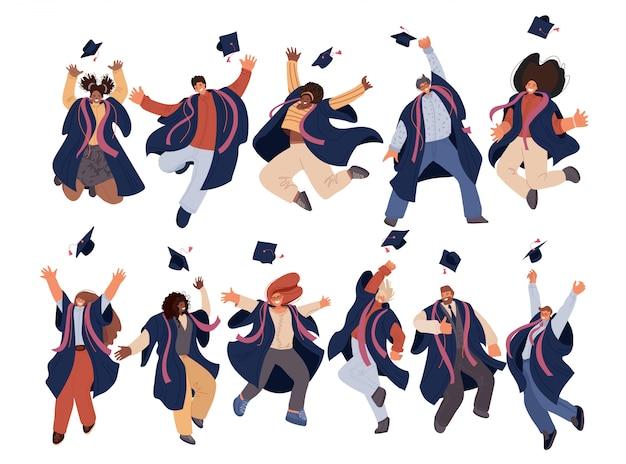 Płaski zestaw szczęśliwego absolwenta mężczyzny i kobiety w studiach wyższych i wyższych w strojach akademickich. obchody dnia ukończenia studenci wcierać czapki w powietrzu, koncepcja uczenia się sukcesu