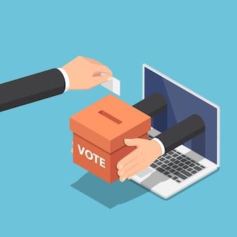 Płaskie 3d izometryczny biznesmen ręcznie wprowadzenie papieru do głosowania do urny, która wychodzi z monitora laptopa. koncepcja głosowania i wyborów online.