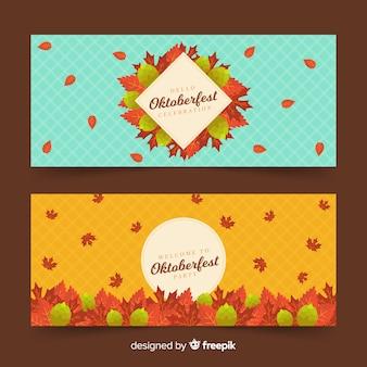 Płaskie banery oktoberfest z suszonymi liśćmi