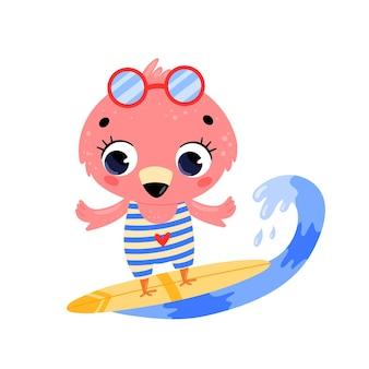Płaskie doodle kreskówka lato surfing flamingo.