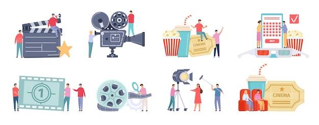 Płaskie malutkie postacie nagrywające, kręcące i oglądające filmy. reżyser filmowy, ekipa filmowa, ludzie w kinie. zespół produkcji filmowej wektor zestaw. mężczyzna i kobieta kupują bilety online, siedzą w fotelach