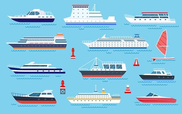 Płaskie statki. łodzie motorowe, transport morski. płaskie jachty wycieczkowe, żaglówki i motorówki. kreskówka wektor zestaw transportu i wysyłki oceanu. ilustracja motorówka i rejs, jacht motorowy oceaniczny