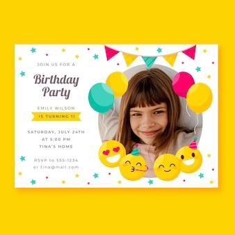 Płaskie zaproszenie urodzinowe emoji ze zdjęciem