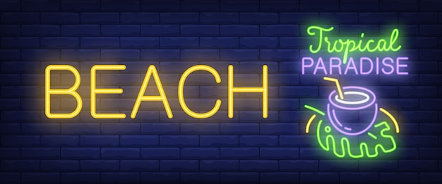 Plaża, tropikalny raj neon tekst z koktajl