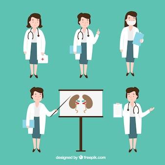 Płci żeńskiej lekarza robi różne zadania