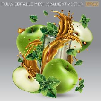 Plusk soku owocowego w szklance wśród zielonych jabłek i liści mięty.