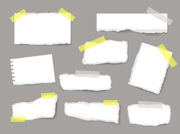 Podarte arkusze papieru z paskami i kawałkami papieru na realistycznym szablonie wektorowym na ciemnym tle