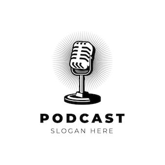 Podcast lub piosenkarka karaoke z mikrofonem retro element projektu znaku godła etykiety logo