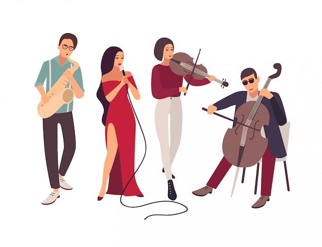 Podczas koncertu na scenie występuje zespół muzyki jazzowej lub bluesowej. eleganccy mężczyźni i kobiety śpiewają piosenki i grają na instrumentach muzycznych