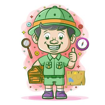 Podróżnik w zielonym mundurze znajdujący skrzynię ze skarbami w pobliżu map