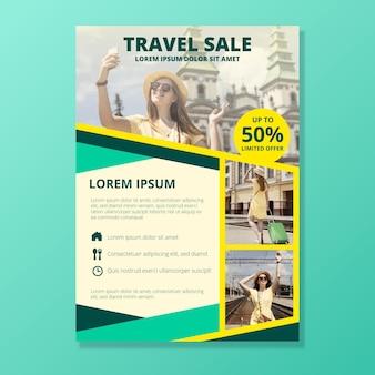 Podróżujący szablon plakatu sprzedaży ze zdjęciem